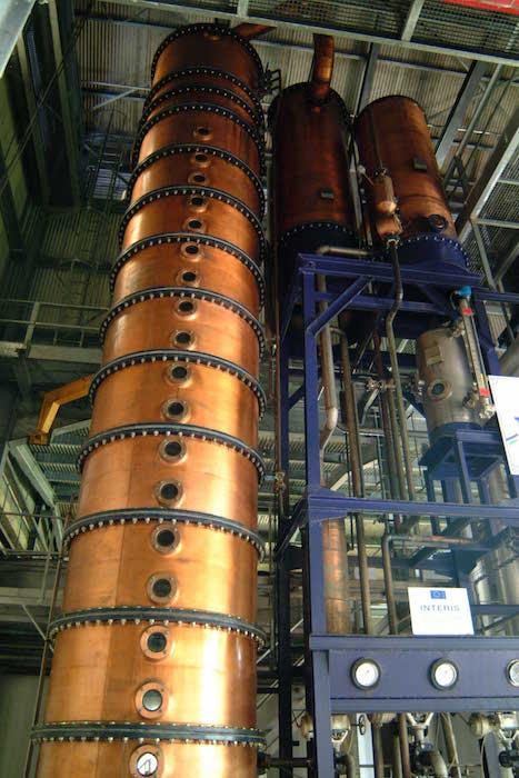colonne-a-distiller-rhum-plantation